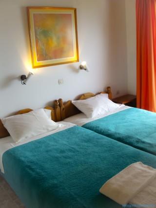 Separate bedroom, 2-rm apt
